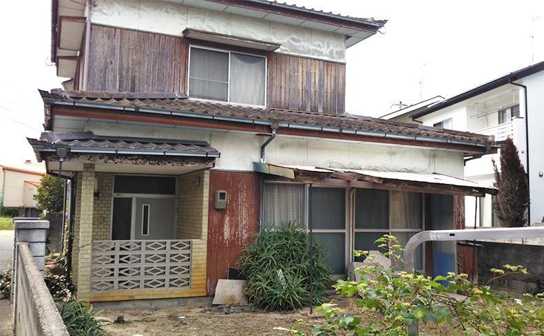 古い一戸建ての家
